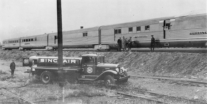 CB&Q Mark Twain Zephyr - Early diesel fueling from a truck!